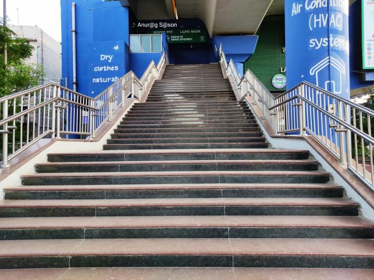 Coronavirus, Anurag Sason, Delhi, metro station,